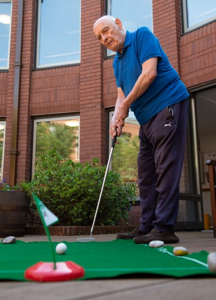 Mini golf activity at Cadogan Court, Exeter.