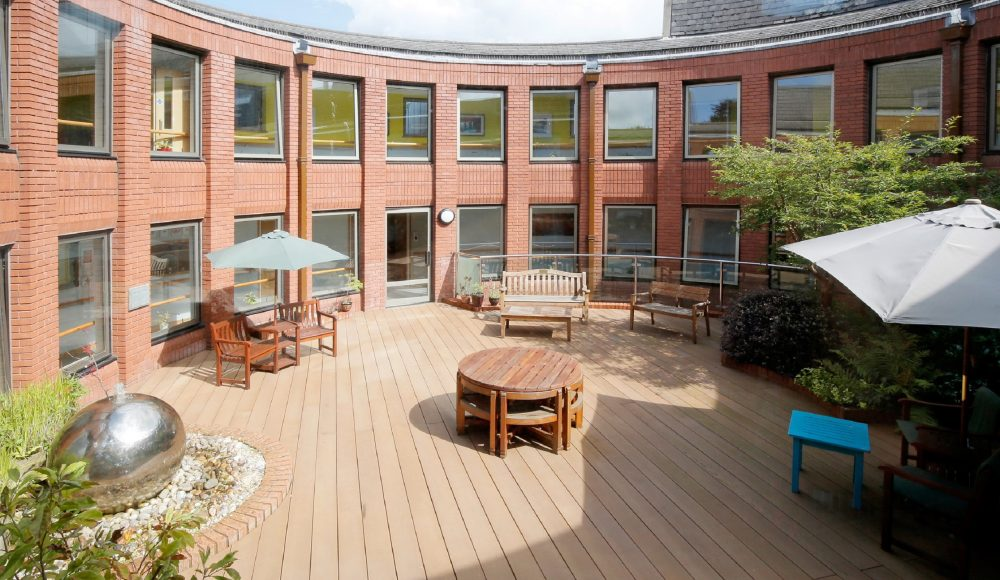Outdoor space at Cadogan Court