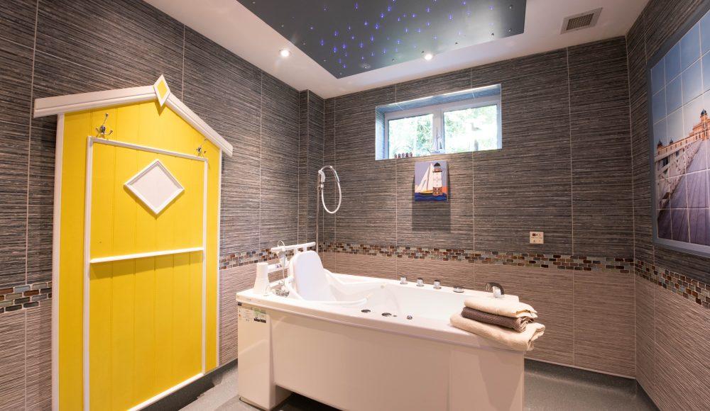 Luxury bathroom at Prince Michael of Kent Court
