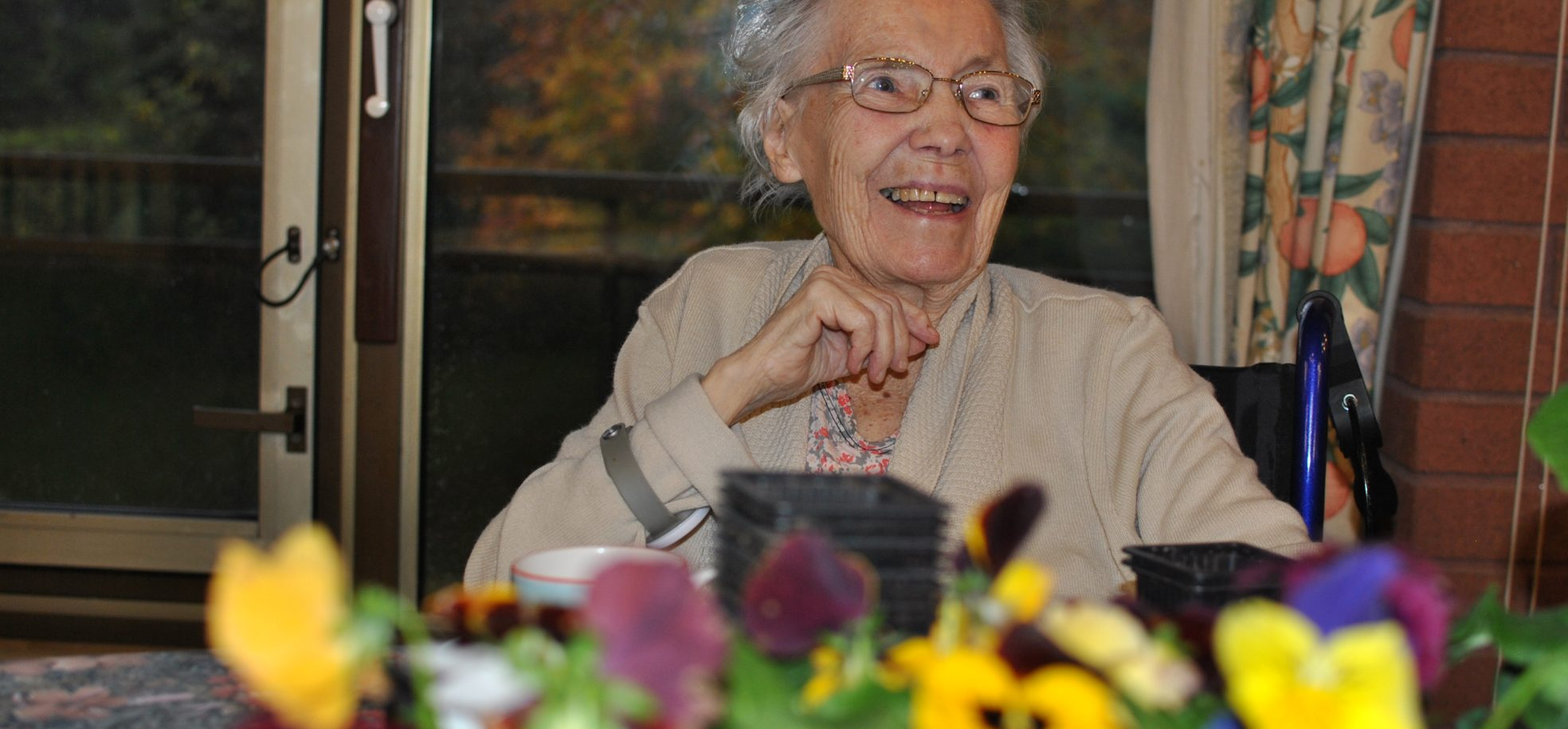 Cadogan Court resident enjoying some winter gardening at the Home in Exeter